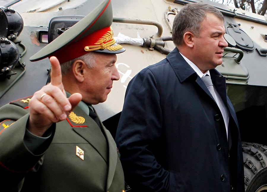 СК возбудил уголовное дело по факту использования труда солдат на базе родственника Сердюкова