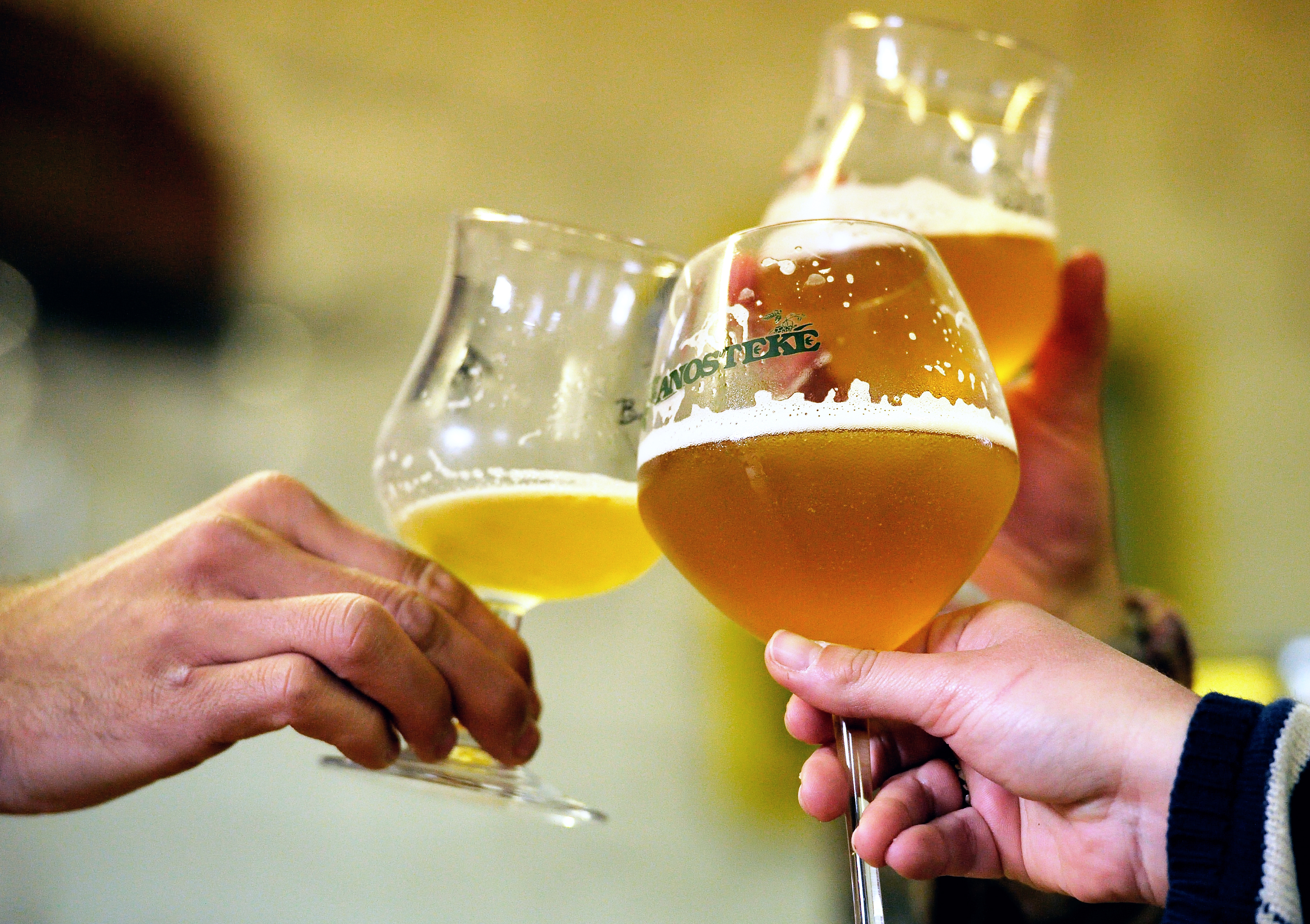 Традиция совместного распития спиртных напитков восходит к 9 веку до н.э.