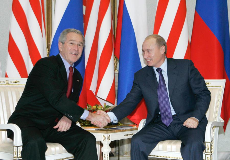Американский профессор: В ответ на помощь России США всегда «беспардонно предавали» её