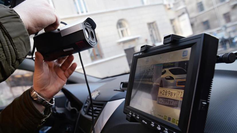 СМИ: Штрафы за парковку на газонах москвичи будут получать автоматически