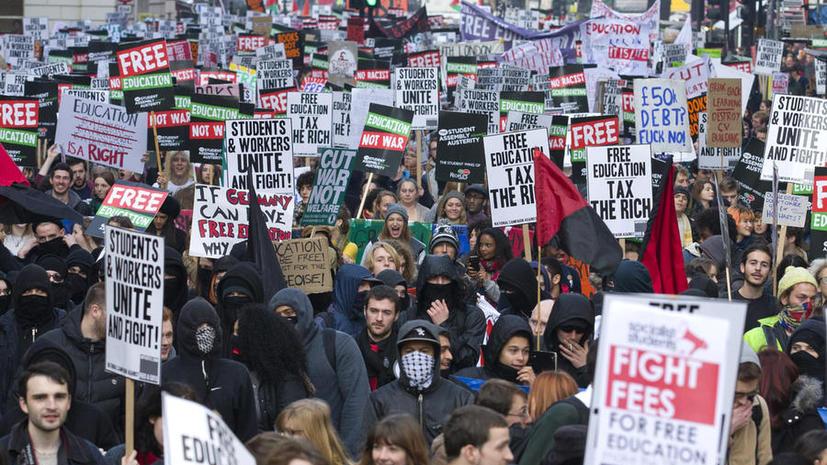 Студенческие протесты в Лондоне вылились в беспорядки и столкновения с полицией