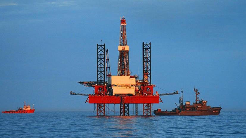 Турецкое судно пыталось помешать перемещению российской буровой установки в территориальные воды РФ