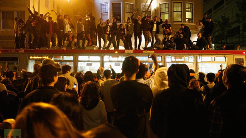 Бейсбольные болельщики в порыве радости устроили погром на улицах Сан-Франциско