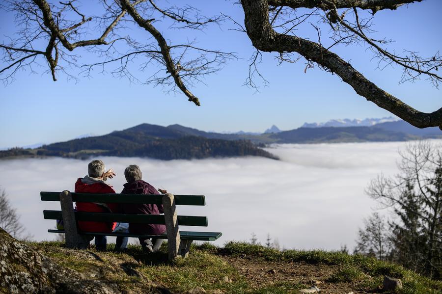 «Самоубийство из-за старости»: швейцарская компания будет помогать умирать здоровым пожилым людям