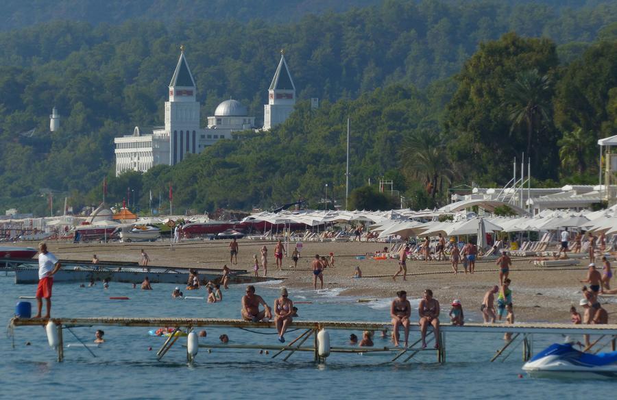 Немецкие СМИ: Без россиян турецкий туризм погибнет и европейцы не смогут его спасти