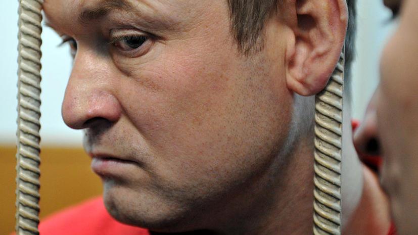 Адвоката Развозжаева задержали за передачу в СИЗО сотового телефона