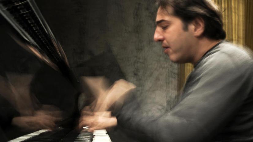 За критику ислама в Twitter турецкого пианиста осудили на десять месяцев