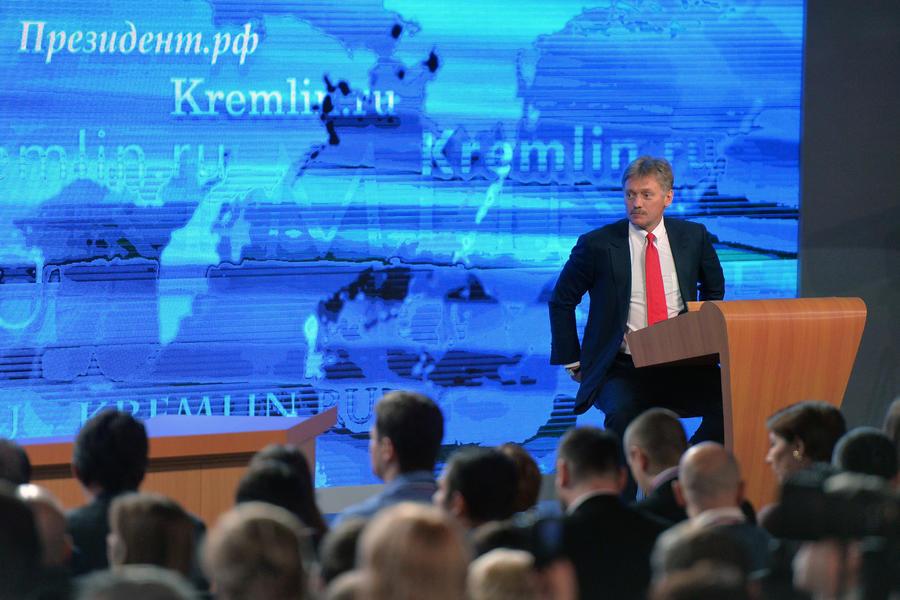 Дмитрий Песков: Вопросы о ходе расследования убийства Бориса Немцова надо адресовать следствию