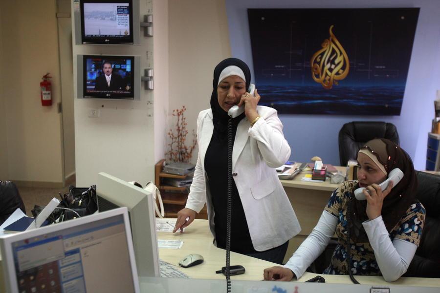 Египетские следователи утверждают, что задержанные журналисты Al-Jazeera работают на «Братьев-мусульман»