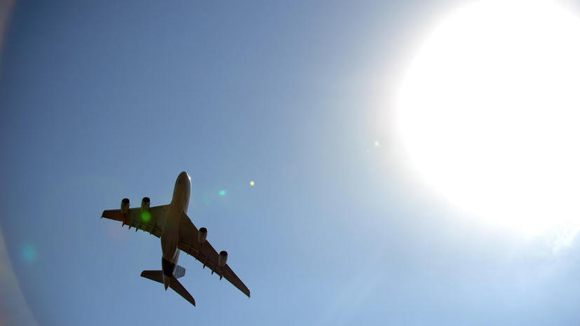 Пассажирский самолёт вернулся в аэропорт Красноярска из-за трещины в лобовом стекле