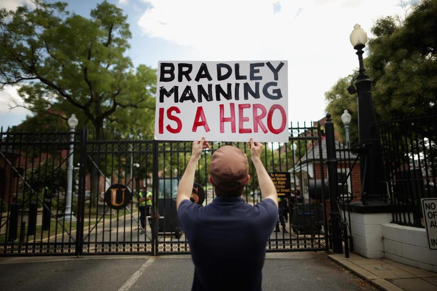 Петиция за присуждение Брэдли Мэннингу Нобелевской премии собрала более 100 тыс. подписей