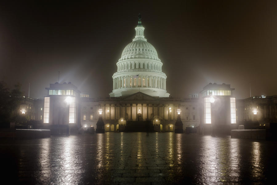 Правительство США готовится отозвать часть сотрудников своих дипмиссий по всему миру