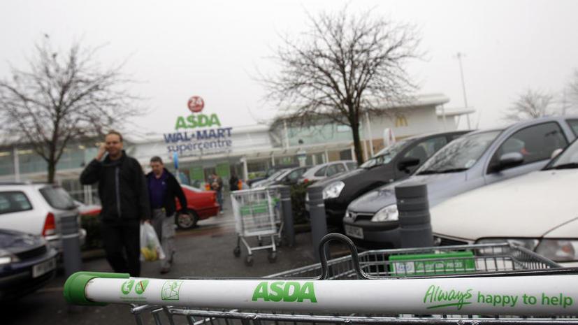 Британские супермаркеты не продают алкоголь родителям в присутствии детей