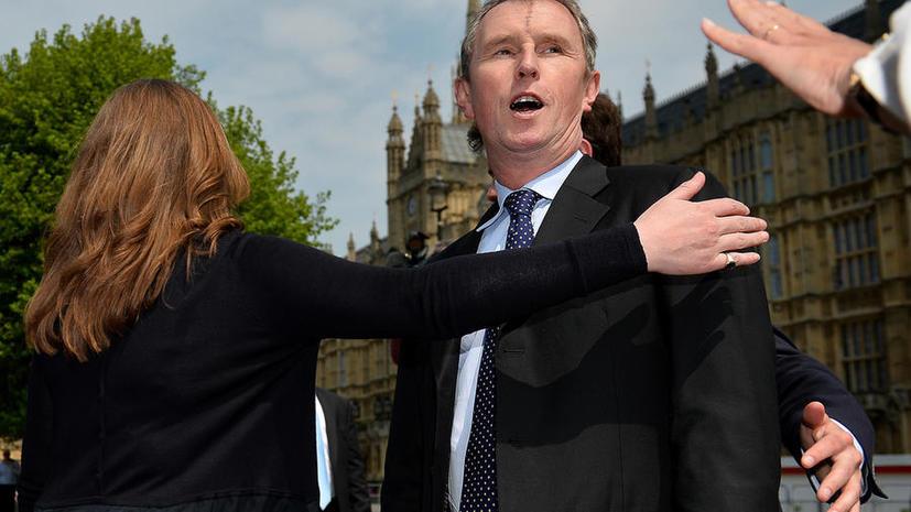 Британский парламентарий подал в отставку из-за гей-скандала