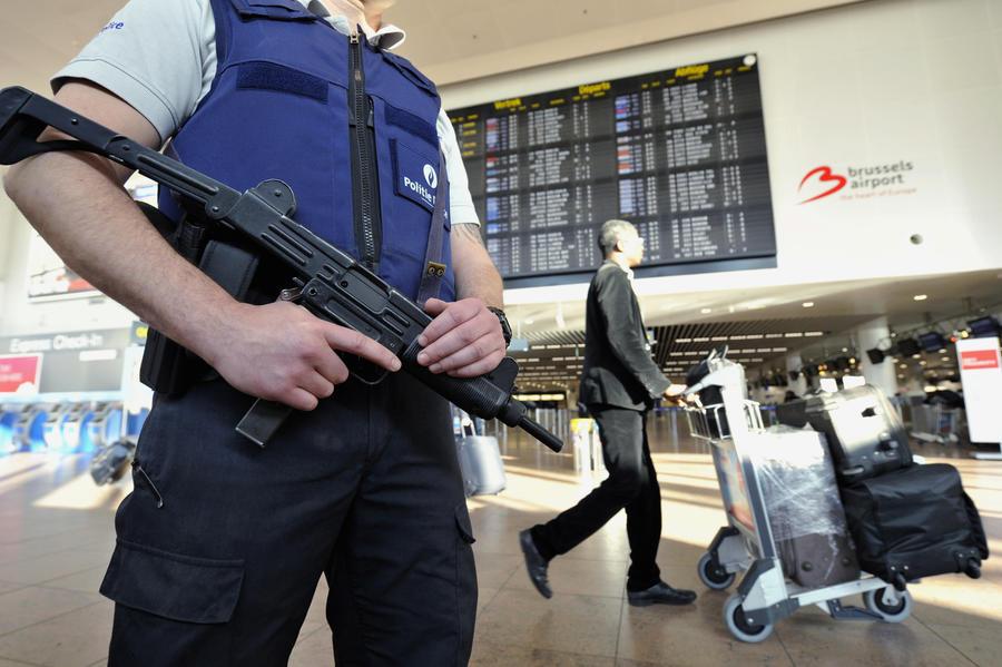 «Любой человек может войти и пронести что угодно»: очевидцы об аэропорте Брюсселя