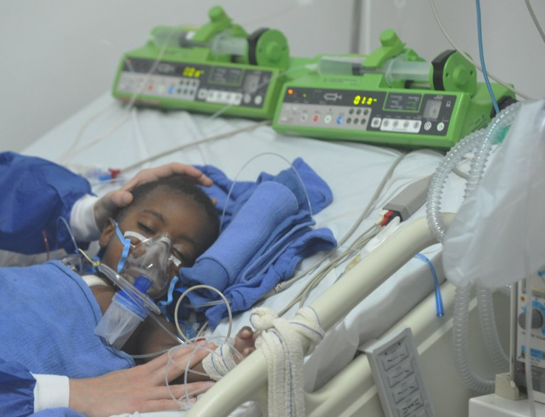 Неизлечимо больным во Франции дадут право на смерть
