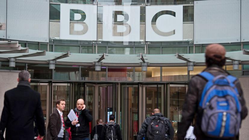 Глава новостной службы BBC ушла в отставку из-за «дела Сэвила»