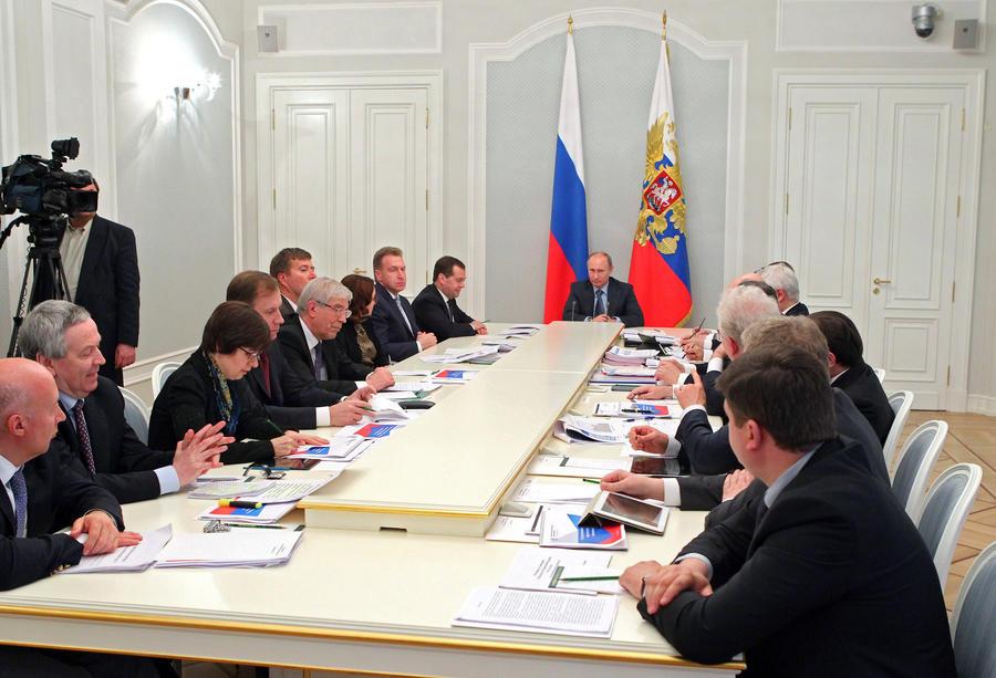 Владимир Путин: Невозможно «разогнать» экономический рост только за счет бюджетных мер