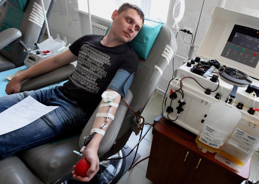 Парковка за кровь: донорам разрешат бесплатно оставлять машину в центре Москвы