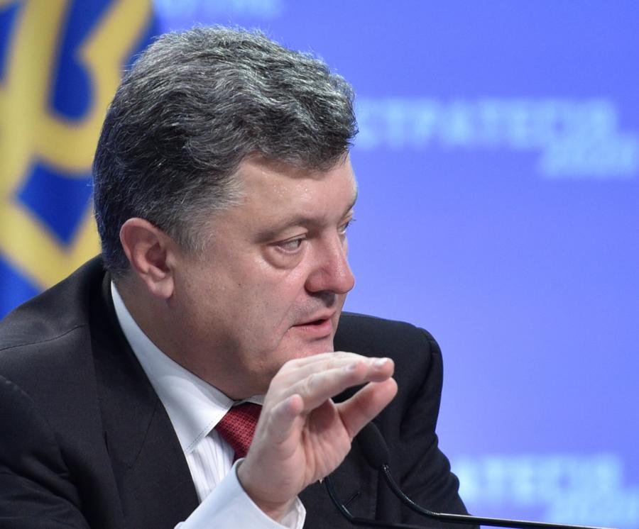 Пётр Порошенко: Украина на востоке страны потеряла 65% военной техники