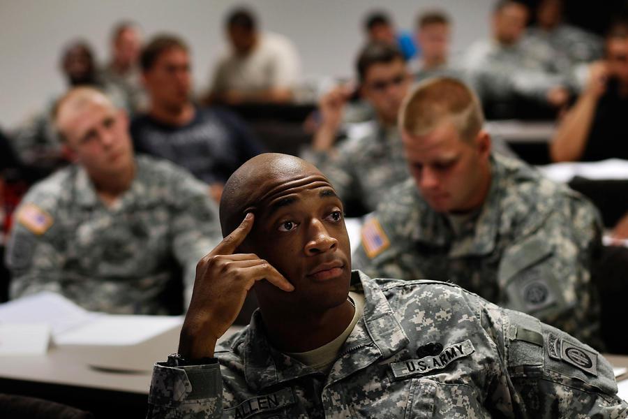 Американские военные останутся без зарплаты, если госаппарат лишат финансирования