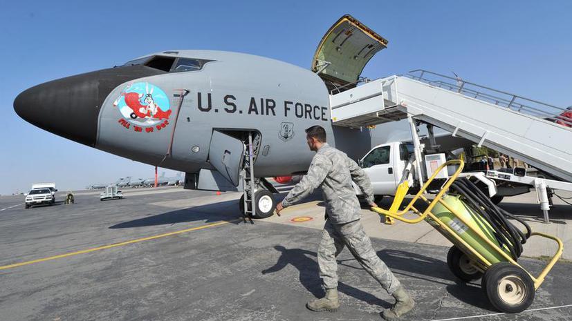 Пентагон: США уходят с базы Манас в Киргизии