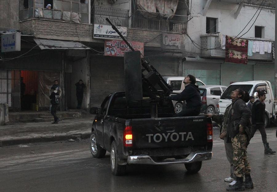 В Сирии на стороне экстремистов сражаются 30 канадцев