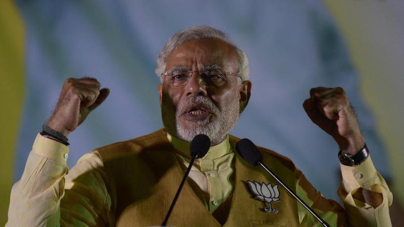 Индийский политик превратился в голограмму, чтобы завоевать сердца избирателей