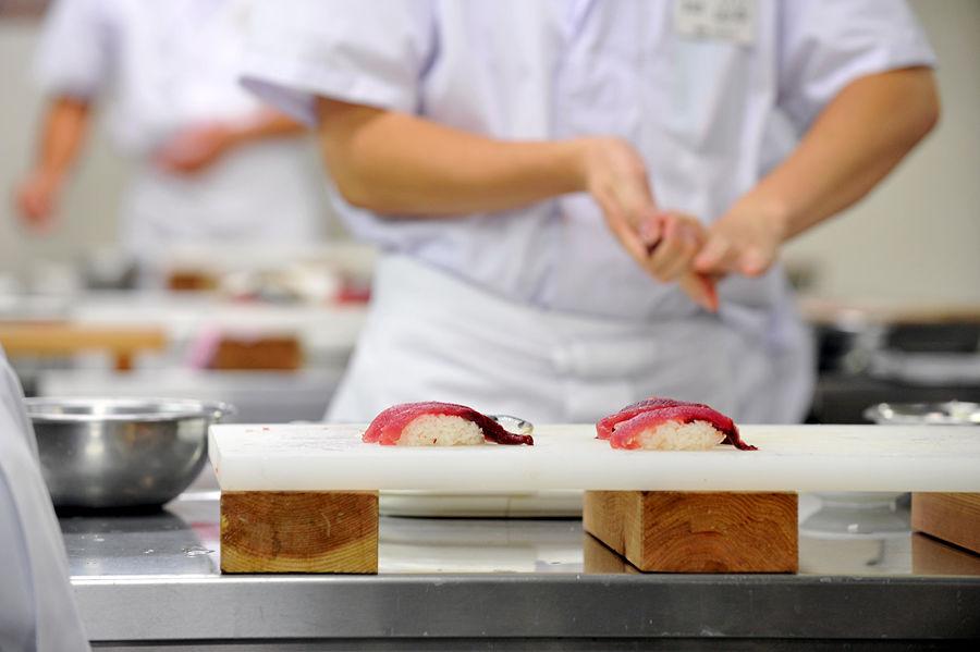В Токио открылся ресторан, предлагающий блюда с грязью за $110