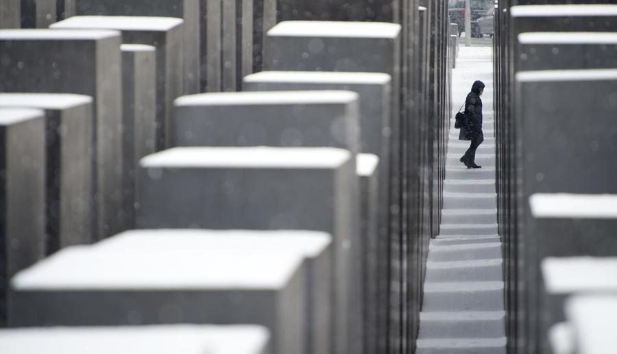 В Берлине разрушается построенный за €27 млн Мемориал жертвам Холокоста