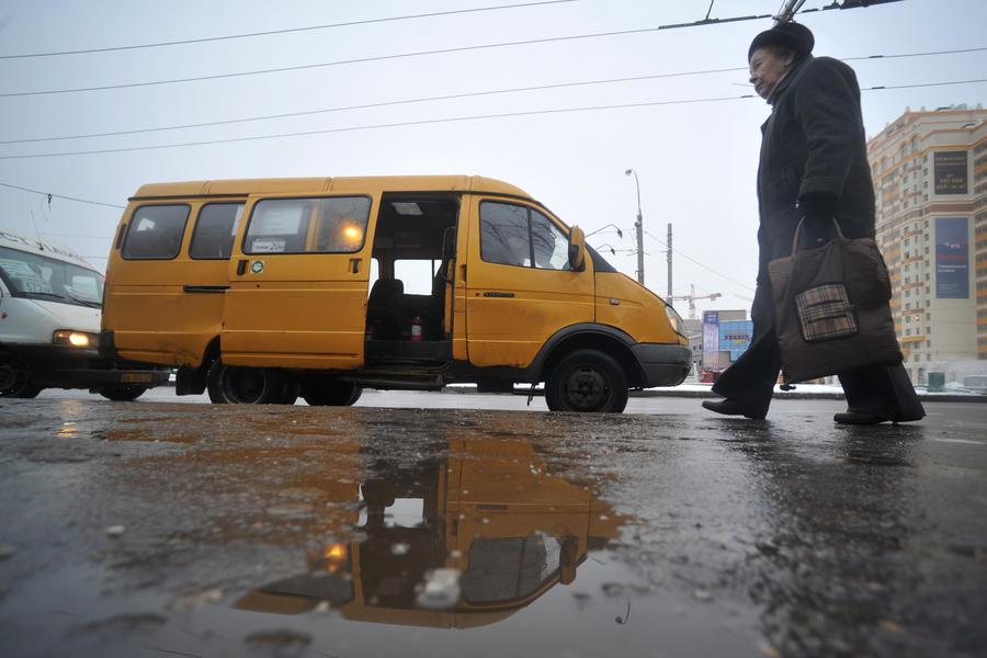 СК возбудил уголовное дело против водителя маршрутки, который высадил маленькую девочку на морозе