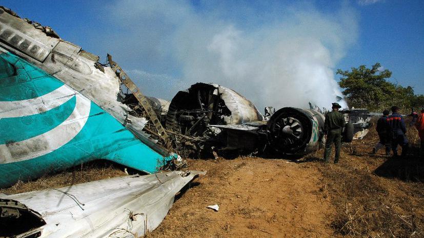 27 человек погибли при крушении военного самолета в Казахстане