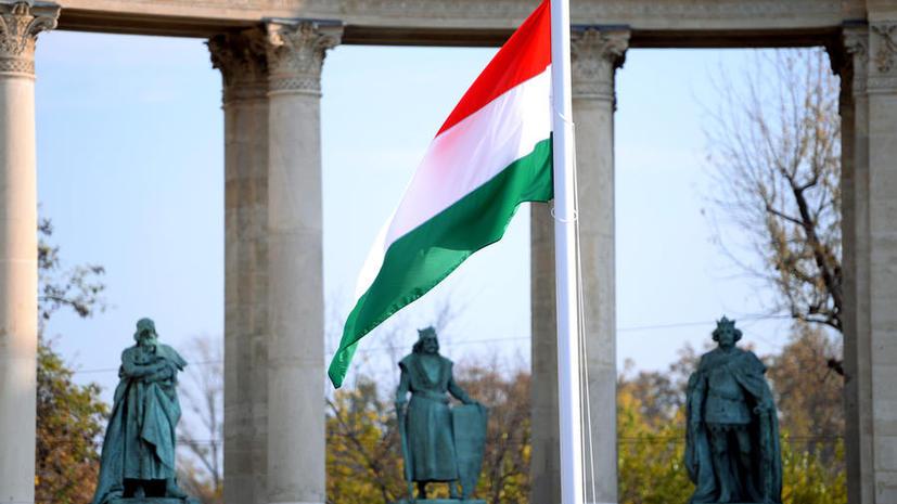 СМИ: Венгрия в попытке сэкономить повысила налоги на мыло и шампуни