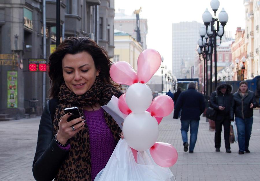 СМИ: Граждан России оповестят по смс о смене паспорта и назначении пенсии