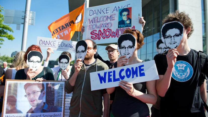 The New York Times: США заранее знали о планах Лондона заставить СМИ уничтожить данные Сноудена