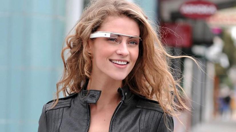 В американские бары запретили входить в очках от Google