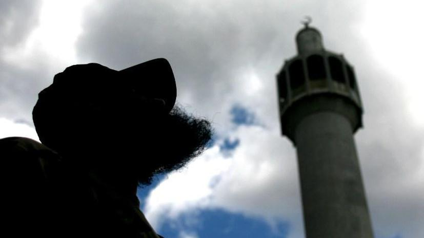 4 человека получили ножевые ранения в британской мечети