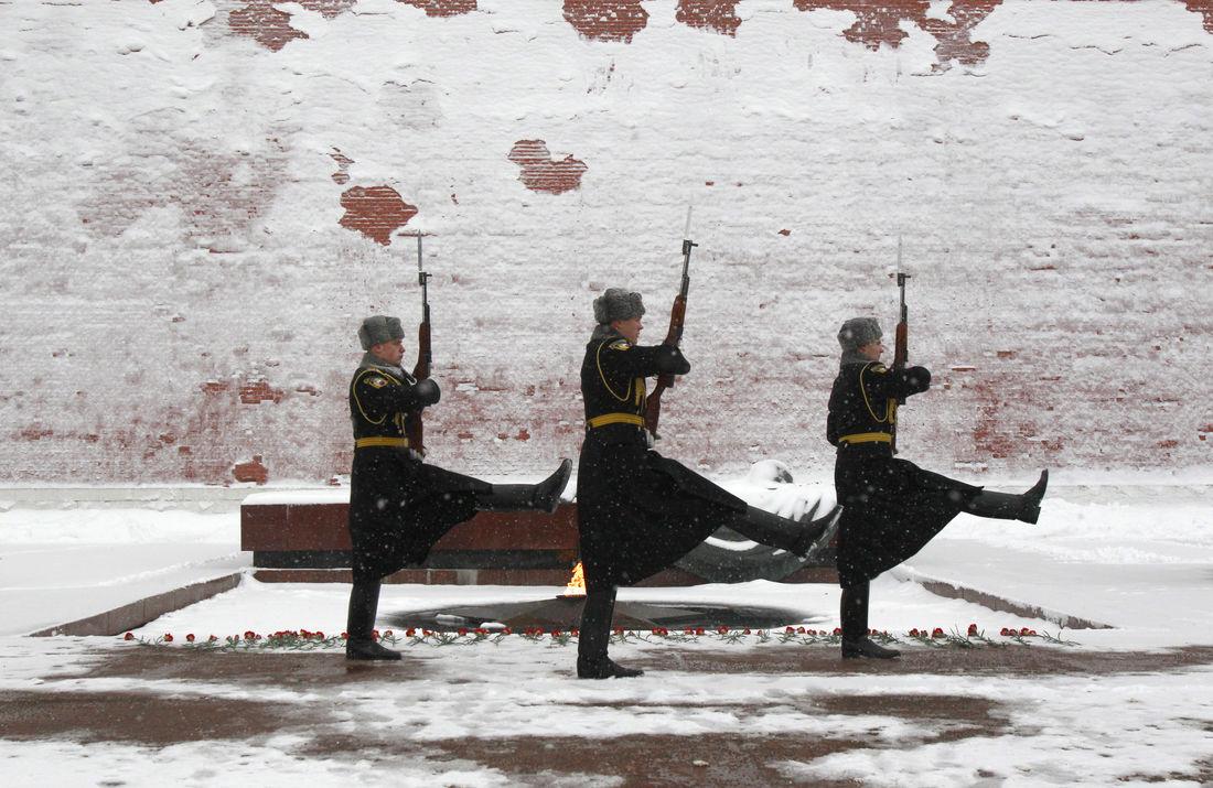 Сиротам могут дать отсрочку от армии для поступления в ВУЗы