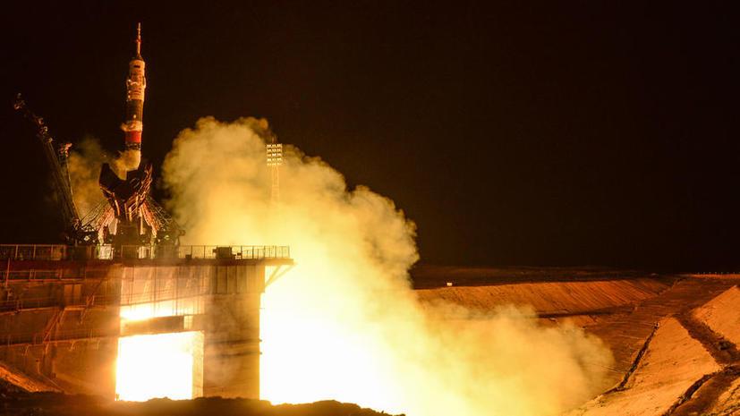 Российские космонавты выйдут в открытый космос с олимпийским факелом