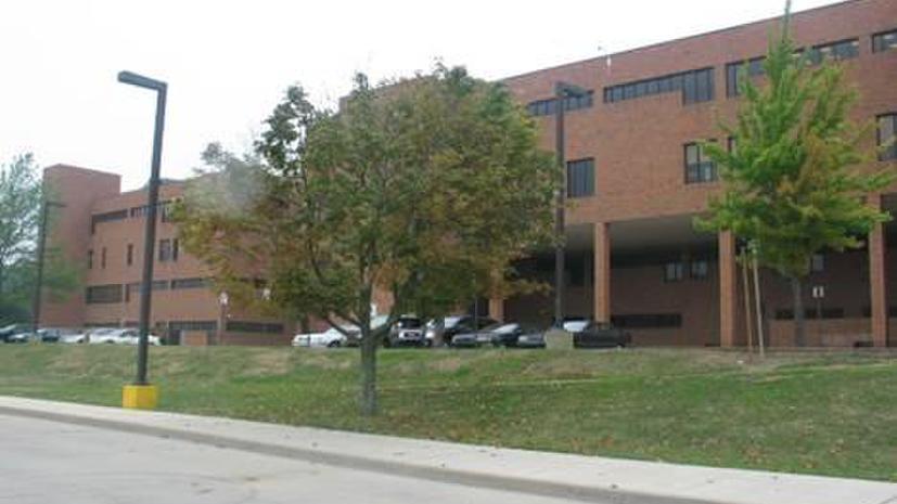 Три человека пострадали в результате стрельбы в старшей школе Питтсбурга