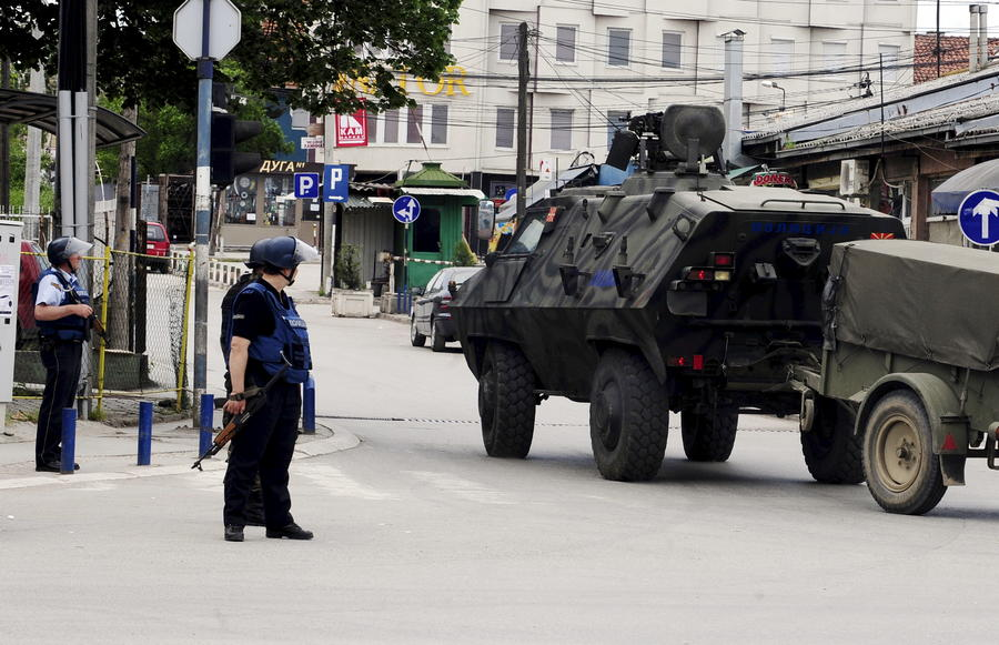 В Македонии в результате перестрелки с террористами погибли пятеро полицейских