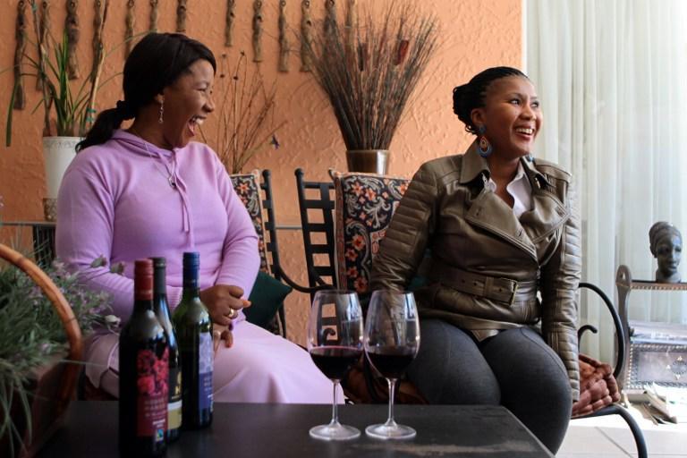 Нельсона Манделу через суд хотят лишить  доступа к деньгам его собственные дети