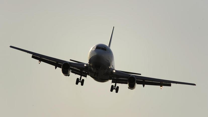 Пассажирский самолёт совершил вынужденную посадку в Новосибирске из-за драки на борту
