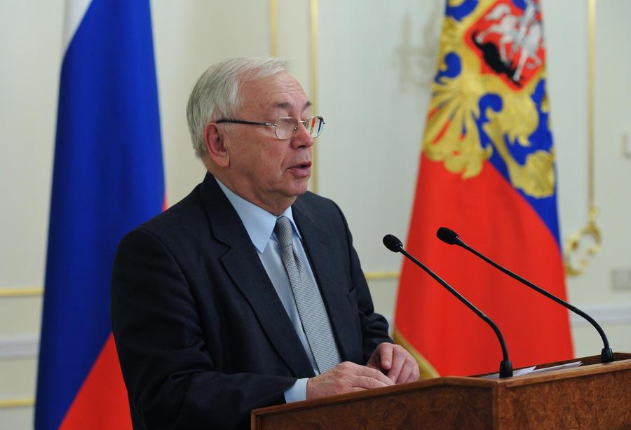 Москва направила в Киев Владимира Лукина как посредника для переговоров между властью и оппозицией