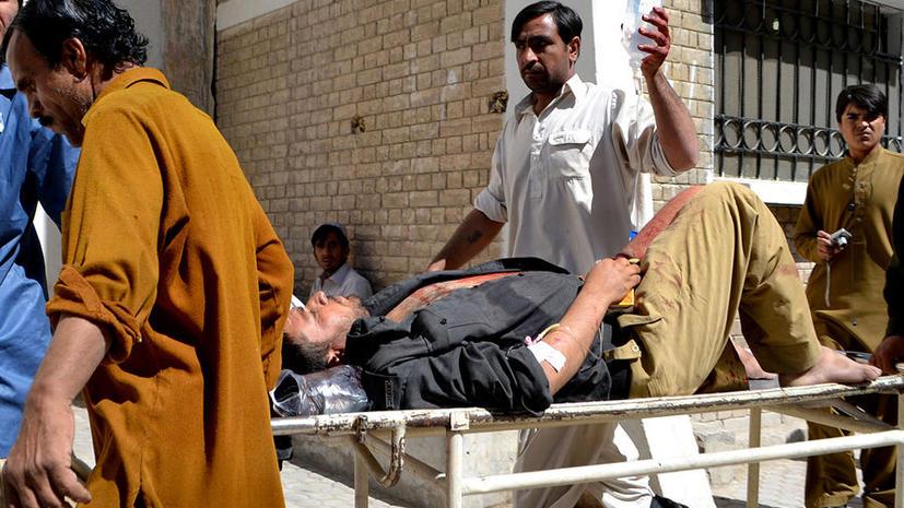 Взрыв в пакистанской мечети унес жизни 22 верующих