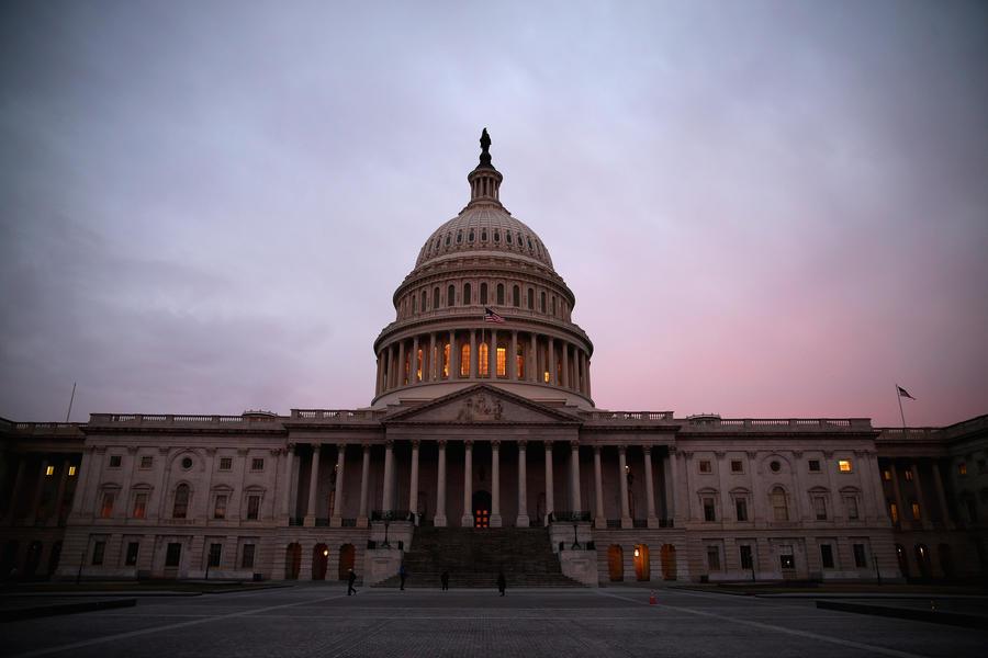 Голосование в сенате США по законопроекту об оказании помощи Украине отложено