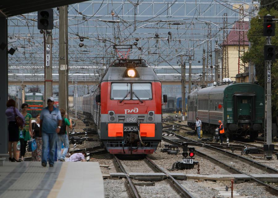 Частный транспорт из Москвы в Петербург можно будет перевезти на поезде