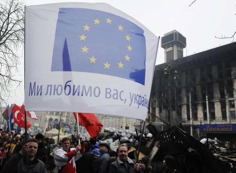 СМИ: Группа политтехнологов подготавливает информационные провокации на Украине