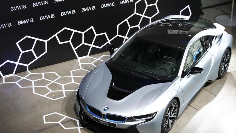 Виртуальная реальность: BMW создаст «рентгеновские» очки для лёгкой парковки