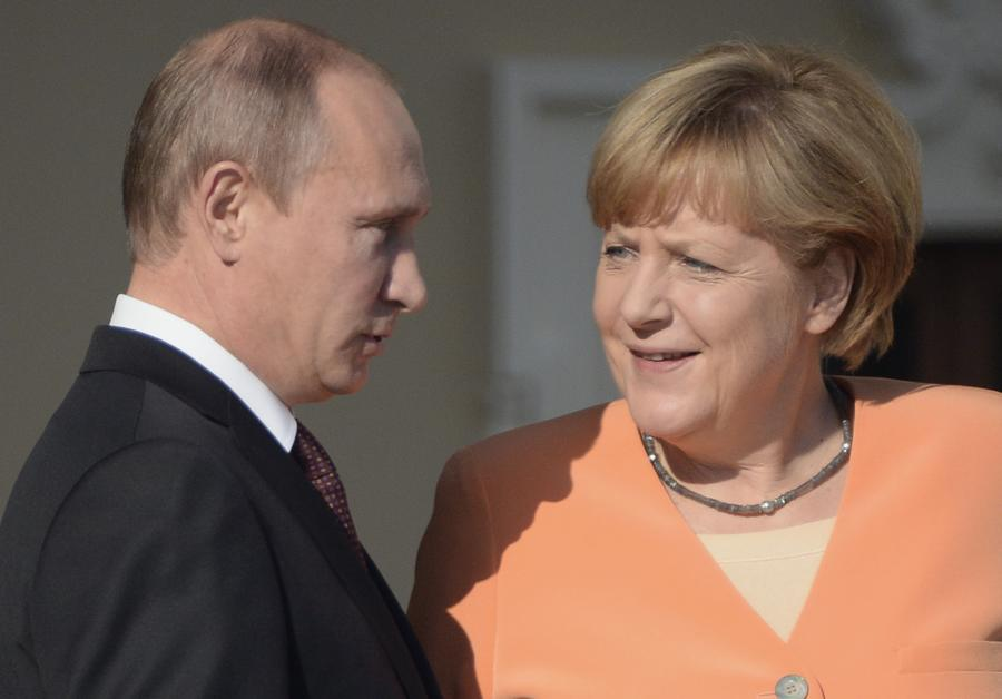 Владимир Путин и Ангела Меркель обсудили по телефону ситуацию на Украине и в Приднестровье